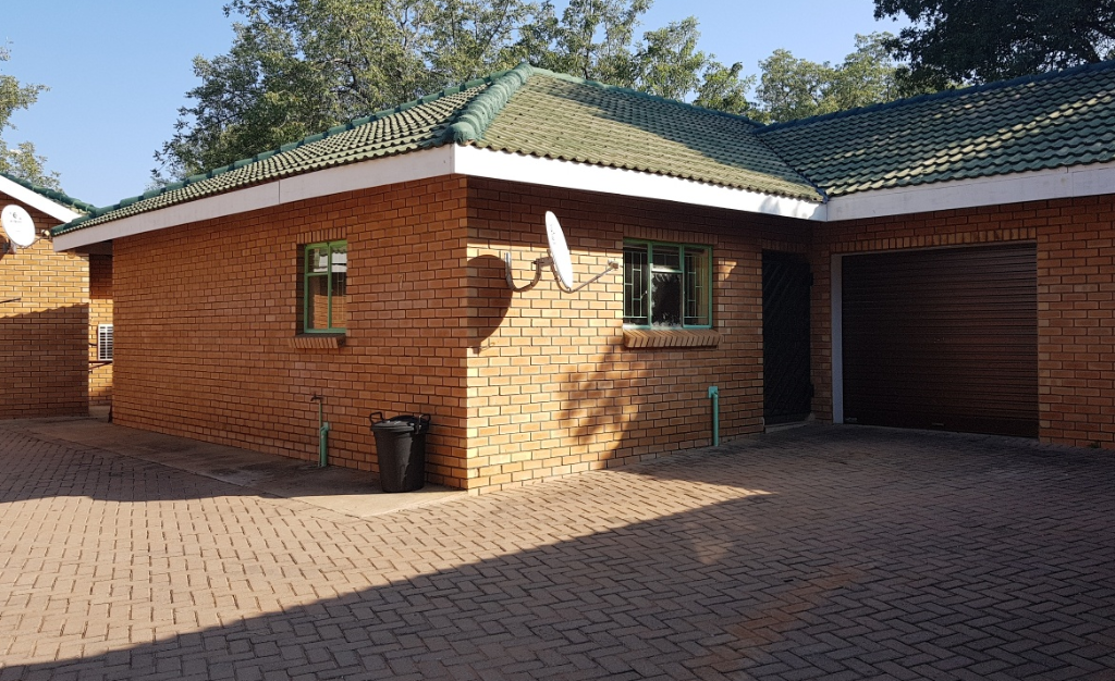 Sectional  Title For Sale in Onverwacht, Lephalale