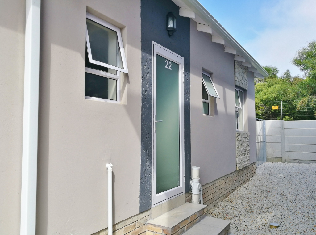 Apartment To Rent in Overbaakens, Port Elizabeth