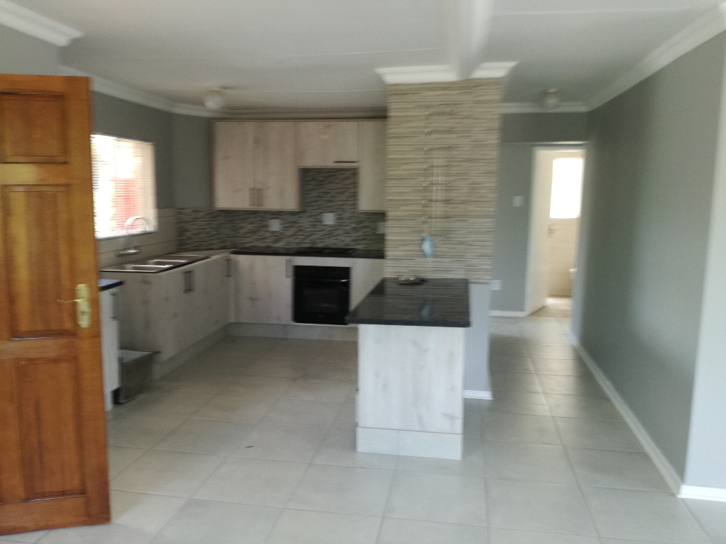 Apartment  Block To Rent in New Park, Kimberley