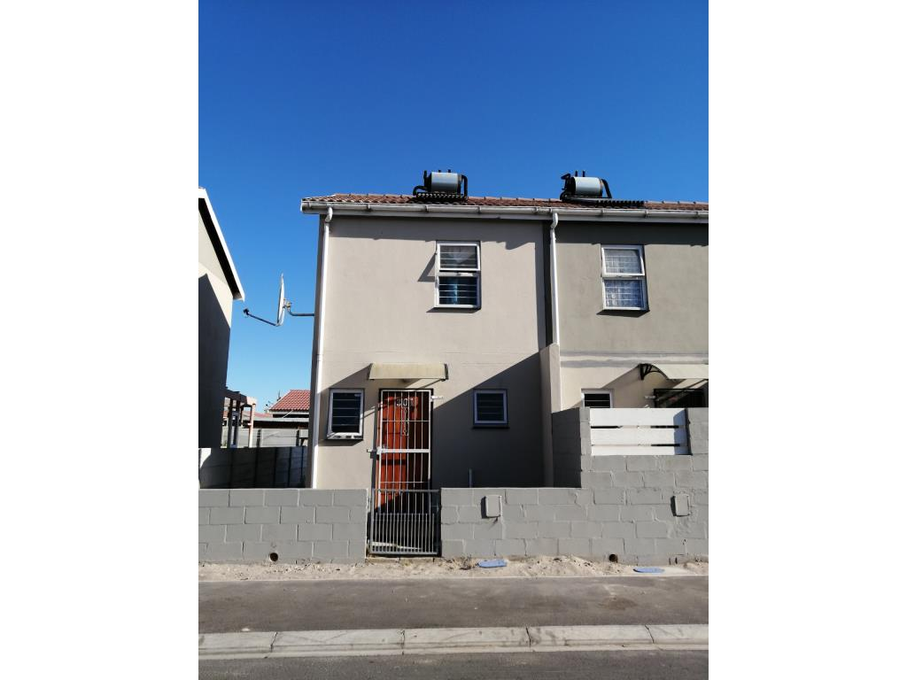 2 Bedroom House To Rent in Pelican Park, Cape Town, Western Cape - Just  Property